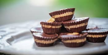 Pointer stellt dir ein Rezept für leckere Peanut Butter Cups vor (Foto: SzRita/Shutterstock.com)