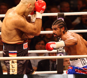 David Haye (r.) gewann gegen Nikolai Valuev (Foto: Public Address)