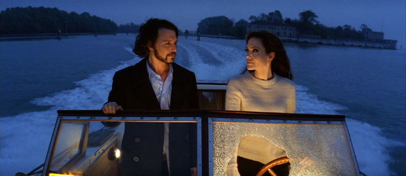 Johnny Depp und Angelina Jolie in The Tourist (Foto: Kinowelt)